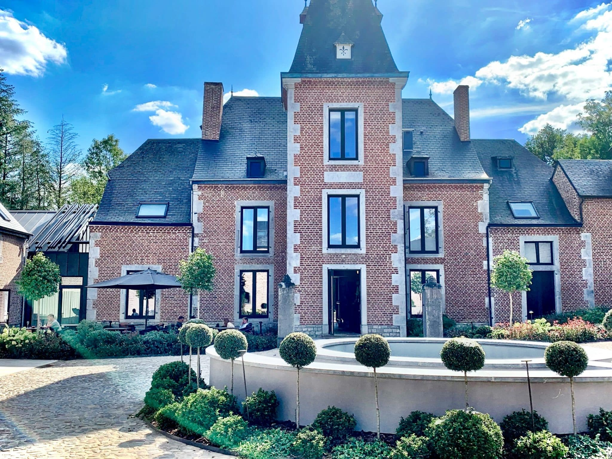 The room was great and so was the food, so what went wrong? Here is why our stay at Château de Vignée unfortunately left a bitter aftertaste.