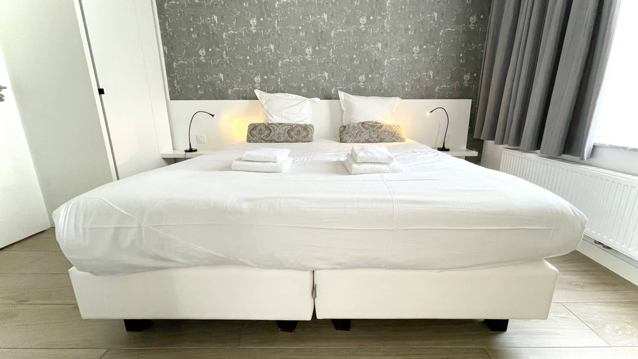 Still searching for a comfortable rental apartment at the Belgian seaside... Is Aparthotel Acropolis what we are looking for? Let's see.