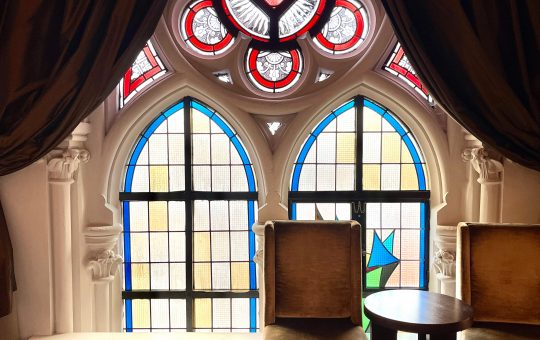 Sleeping in a former Friar Minor church, what's that like? Let's stay one night at Martin's Patershof and find out!